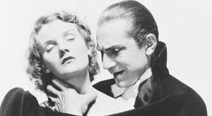 900 millióért eladó a magyar Drakula villája
