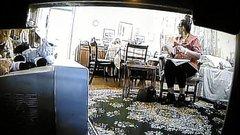 Az orra előtt rabolta ki pofátlanul a 93 éves nénit az ápolója