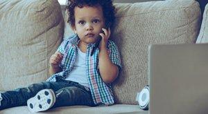 Aggasztó: már a 3 évesek is mobilfüggők