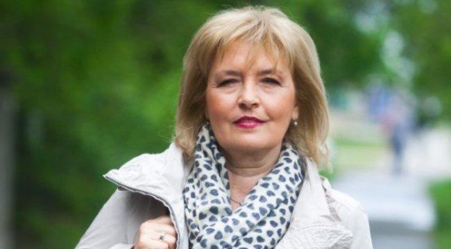 23 év után, egy fiatalabb nőért otthagyta férje Ábrahám Editet