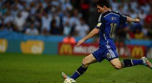 Messi mellébeszél Maradona miatt