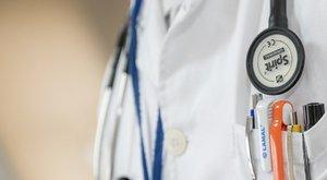 Egy heréje bánta az orvosok figyelmetlenségét