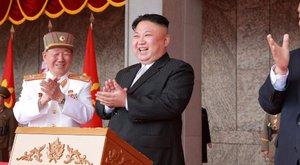 Kim Dzsong Un szétlövi Amerikát