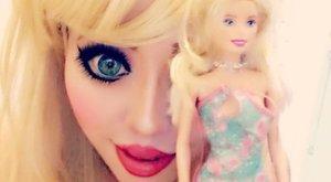 Egy kisebb lakás árát költötte el, hogy tökéletes Barbie-baba legyen - képek