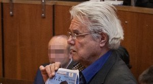 Piával védekezett a bíróságon Oszter Sándor