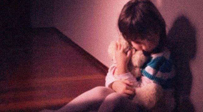 Undorító: szexuálisan zaklatott a tini egy négyéves lánykát