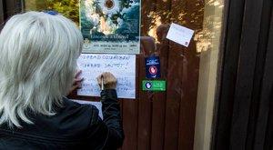Szabad országban szabad sajtót - így tüntettek a Fidesz ellen