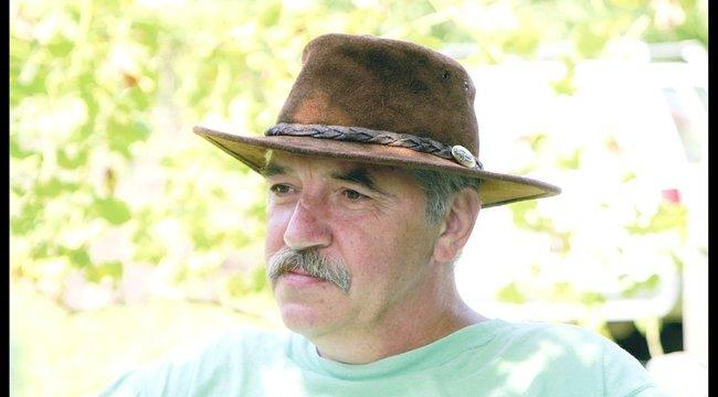 Gyász: meghalt a Csipkés kombiné szerzője