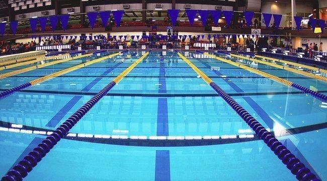 Újabb úszóbotrány: ezúttal egy tinilány esett áldozatul