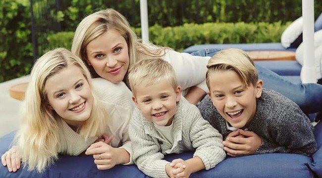 Reese Whiterspoon odavan a borért – már 4 éves fia is észrevette