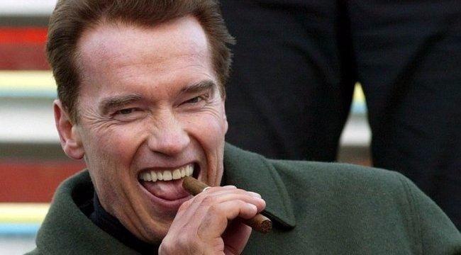 Újra eljátsza a Terminátort Schwarzenegger