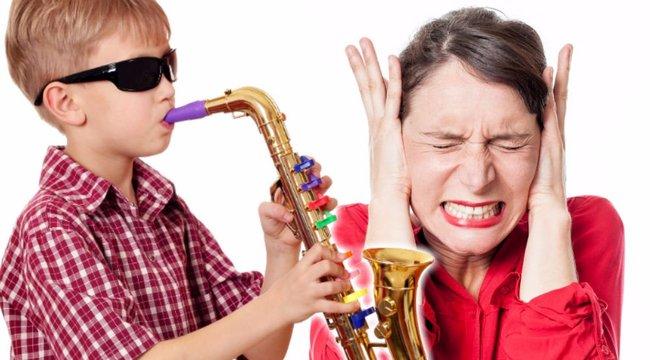 Hazavágja a játék hangszer a gyereknapot!