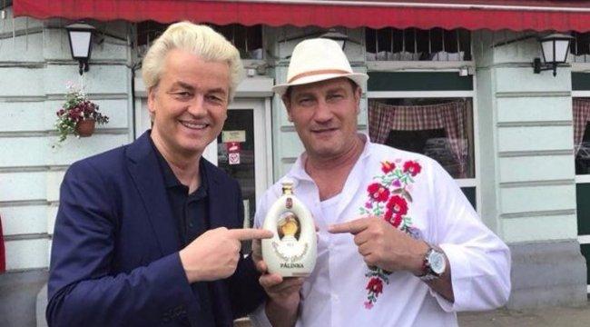 Jó barátságot ápol a pártvezérrel Bunyós Pityu, már Hollandiában is találkoztak