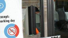 Baltával támadt a villamosra Szegeden egy férfi