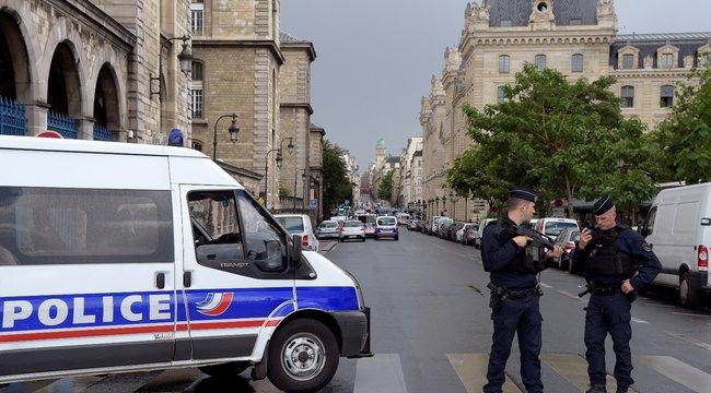 Videó a meglőtt párizsi támadóról