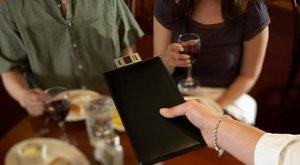 Túlszámlázott vacsora a Váci utcában: két gulyásleves 250 ezerért