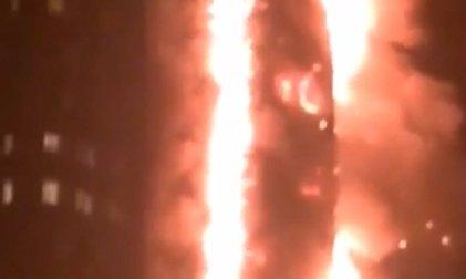 Sokkoló felvételek: porig égett egy londoni toronyház