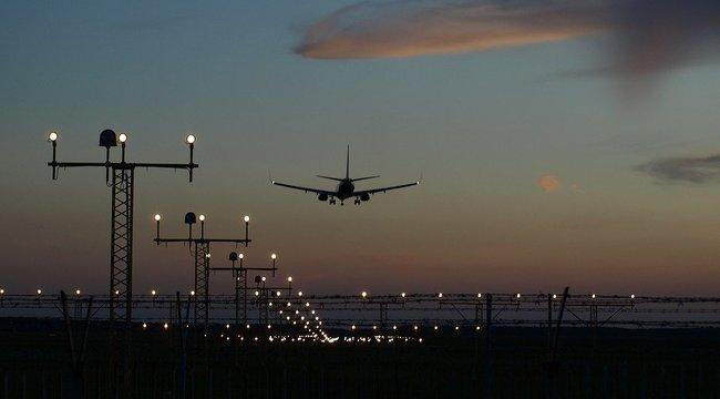 Felfordulás a Liszt Ferenc reptéren: madárral ütköző gép okozott pánikot!
