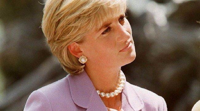Olyan magányos volt, hogy plüssállatait tartotta családjának a gyerek Diana