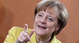 Bevállalta: fenekén virít Angela Merkel - fotó