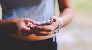Reggel arra ébredt, hogy baj van a mobiljával? Nincs egyedül!