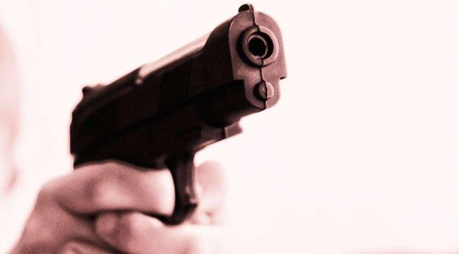 """""""Sose játssz a pisztollyal, mert megölhetsz valakit"""" - magyarázta, majd lelőtte kislányát"""