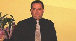 Nyerészkedni akar az egyik szülő gyereke halálán - állítja a veronai balesetben érintett cég vezetője