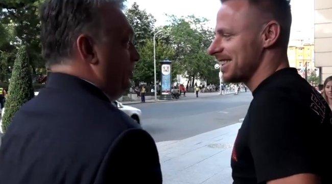Dzsudzsák Orbánnal spanolt egy fővárosi luxushotel előtt - videó