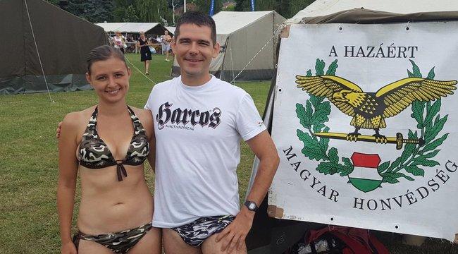Dúró Dóra elárulta, miért a terepmintás bikinit választotta