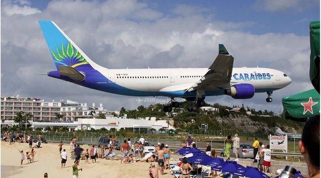 Repülőgép sodorta el a strandoló nőt