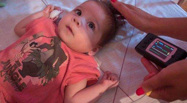 Fél szívvel küzd az életéért a kis Elina