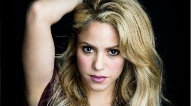 Shakira zenéjére táncol a nő, akinek az énekes szerette el a pasiját