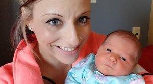 Elképesztő felelőtlenség: egyetlen pusziba halt bele az újszülött