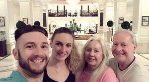 Nemcsak Hosszú Katinka versenyei miatt vannak Budapesten Shane szülei