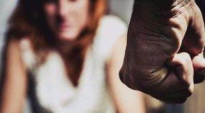 Borzasztó: savval öntötte le az arcát férje, mégis visszatért hozzá