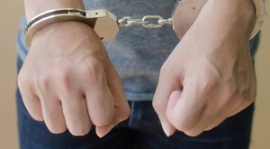 Egy kistarcsai letartóztatott Houdinit is lepipálva szökött meg