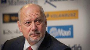 A támadások ellenére nem mond le a Magyar Úszó Szövetség elnöke