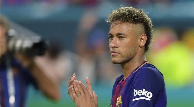 Neymar könnyes búcsút vett társaitól