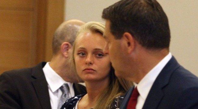 Börtönre ítélték az öngyilkosságra buzdító barátnőt