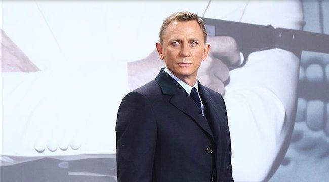 45 milliárdért lesz újra Bond Daniel Craig