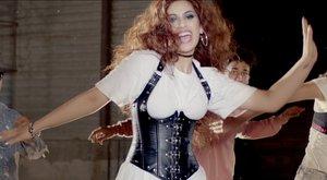 Radics Gigi: Megélem a nőiességet