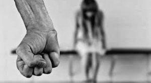 Szívfacsaró: üzent a kislány, akinek életét egy férfi után a bíró is tönkretette