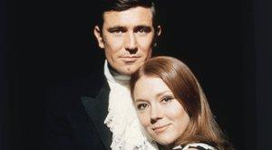 James Bond mellett domborította magyar szépség
