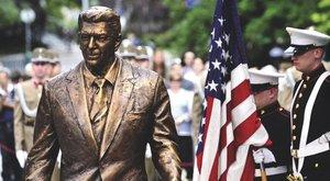 Tízmilliókba került,de nem látható Bush szobra