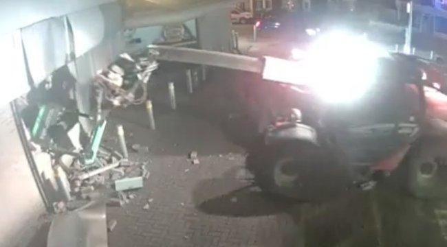 Ezek a férfiak nem kispályáztak, amikor az ATM-re lecsaptak