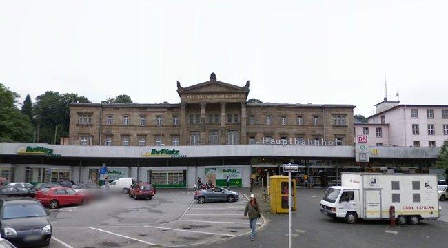 Késelés a német pályaudvarnál – egy halott és egy sérült