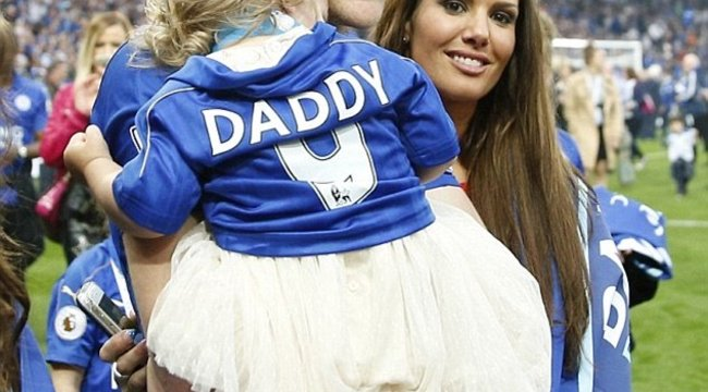 Iszonyú családi titkot árult el az angol válogatott focista neje