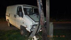 Részegen próbált hazajutni: lopott egy furgont, amit összetört, aztán lopott egy biciklit is