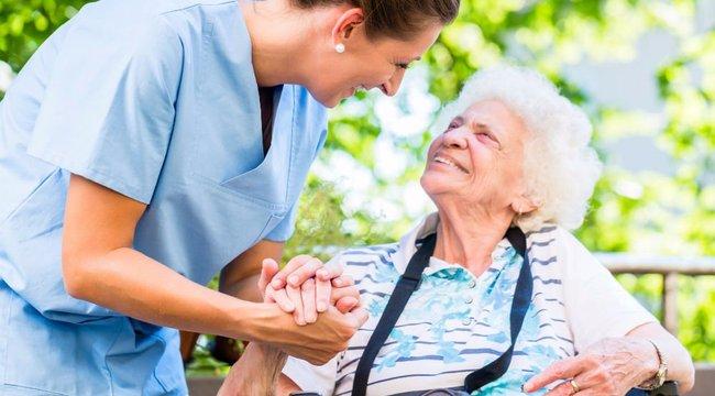Idősek otthona: a keresésben segít az illetékes önkormányzat
