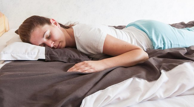 Ügyeljen a fekvésre, ha fáj valamije!